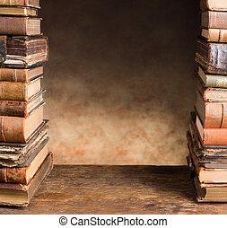 bordo, con, anticaglia, libri