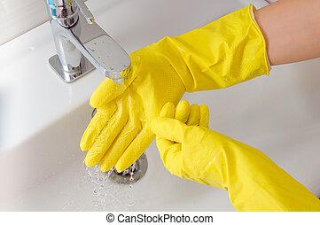 borracha, mulher, fluxo, luva, mão, água, amarela