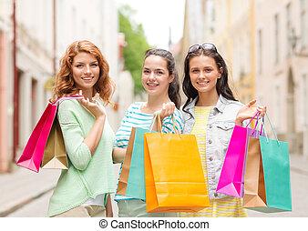 borse, adolescente, shopping, ragazze, strada, sorridente