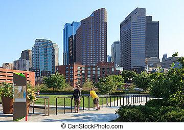 boston, horizon, district financier