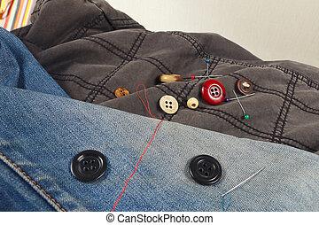 botões azuis, algodão, calças brim, agulhas, fios, fundo, alfinetes, closeup, roupas, pretas