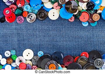 botões, com, calças brim azuis, espaço cópia