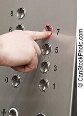 botões, empurrar, elevador, homem