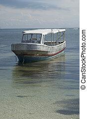 bote, ligado, a, água, em, mexico.