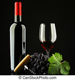 botella, con, vino rojo, y, vidrio, y