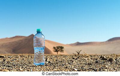 botella de agua, en el medio, de, el, desierto
