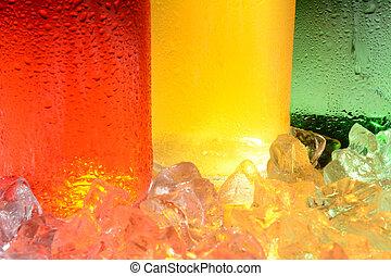 botella de la soda, y, hielo, resumen