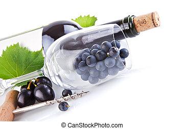 botella de vino, con, vidrio, y, uvas, aislado, blanco, plano de fondo