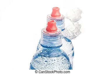 botella plástica, de, agua potable, aislado, blanco