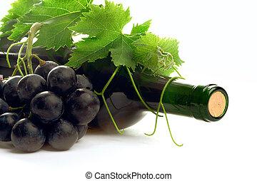 botella, vino rojo, con, uva, y, leafs