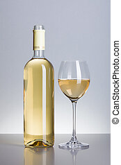 botella, y, copa de vino blanco