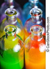 boticario, laboratorio, botellas, con, líquido coloreado