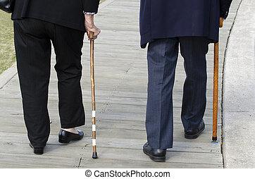 botten hälft, av, en, äldre par promenera, med, a, ved,...