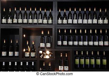 bottiglie vino, su, uno, mensola