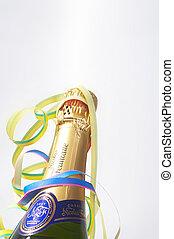bottleneck with carnival decoration - Flaschenhals mit Luftschlangen