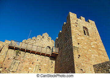 Bottom view of castle battlements and merlons