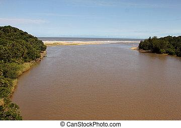bouche, rivière, jour ensoleillé, mer