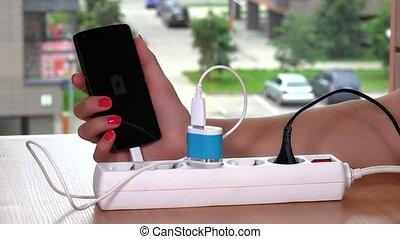 bouchon femelle, 4k, mobile, téléphone., intelligent, chargeur, main