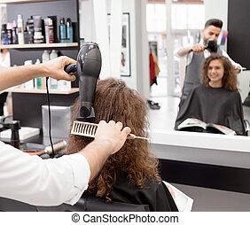 bouclé, sécher, backview, client's, femme, hair., hairstyler