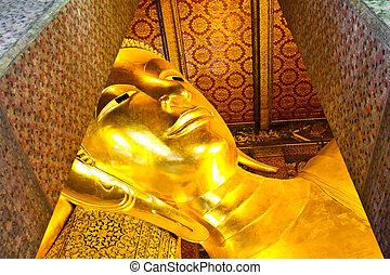 bouddha étendu, or, statue, face., wat pho, bangkok,...