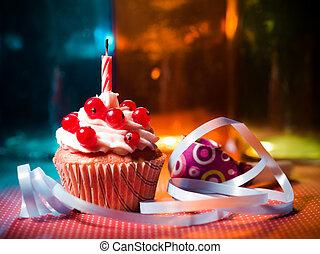 bougie, petit gâteau, surprise