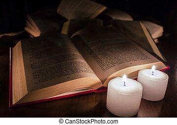 bougies, bois, livres, ouvert, table