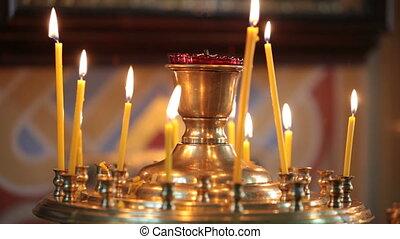 bougies brûler, église