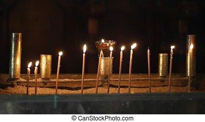bougies, church.