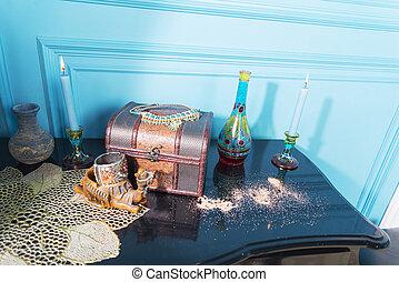 bougies, stele., bouteille, poitrine