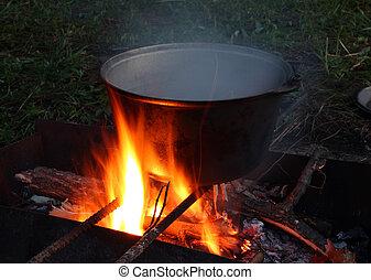bouilloire, sur, feu camp