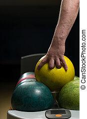 boule bowling, contre, ruelle, tenue