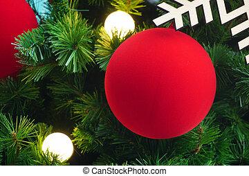 boule rouge, sur, arbre noël, pour, fond