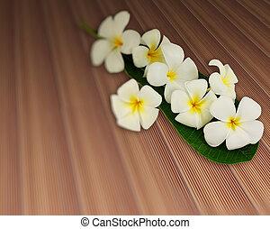 bouquet, i, plumeria, blomster, hos, blad, på, planke, teak, plyndre, tekstur, træ gulv