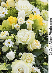Bouquet in white and yellow - White and yellow flowers