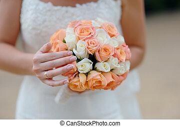 bouquet, mariée, mains