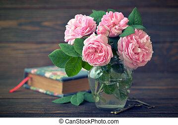 Bouquet of tea roses