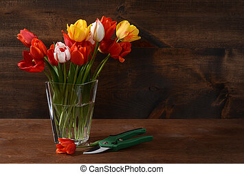 bouquet, tulipes, tondeuse