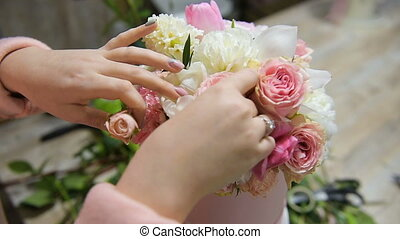 Making flower composition in pink and white colors - Bouquet...