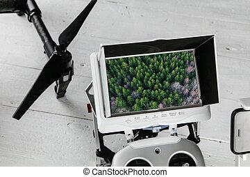 bourdon, photographie aérienne, concept, -, radio, contrôle, émetteur, à, monitor.