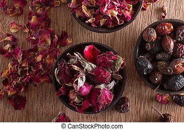 bourgeons, pétales rose, séché, hanches
