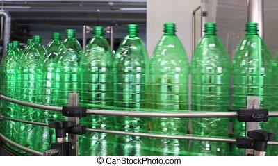 bouteille eau, industrie, convoyeur