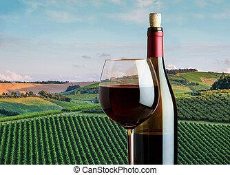 bouteille, verre, vignobles, arrière-plan rouge, paysage rural, vin