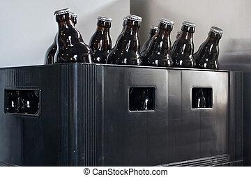 bouteilles bire dans une vieux plastique bote dans les - Caisse Biere Plastique