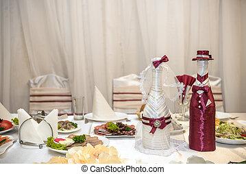 photo de stock de nouveaux mari s deux lunettes bouteille mariage d cor csp45142123. Black Bedroom Furniture Sets. Home Design Ideas