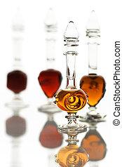 bouteilles parfum, huiles