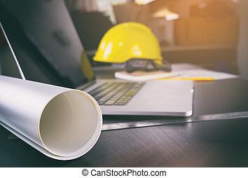 bouwsector, kantoorbureau, met, computer, en, papier, werken