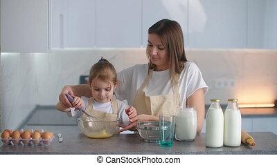 bowl., door, jonge, dough., moeder, kneden, sowing, ...
