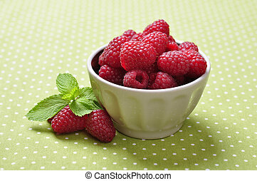 bowl of fresh raspberry