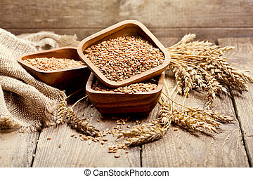 bowl of wheat grains