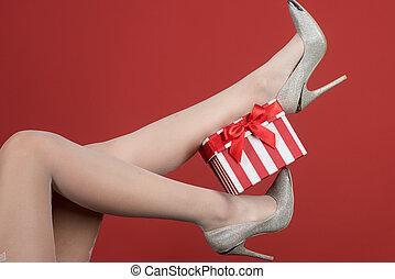 box., dar, shoes., wielkanoc, girl., fason, niniejszy, śliczny, odzież, retail., kobiety